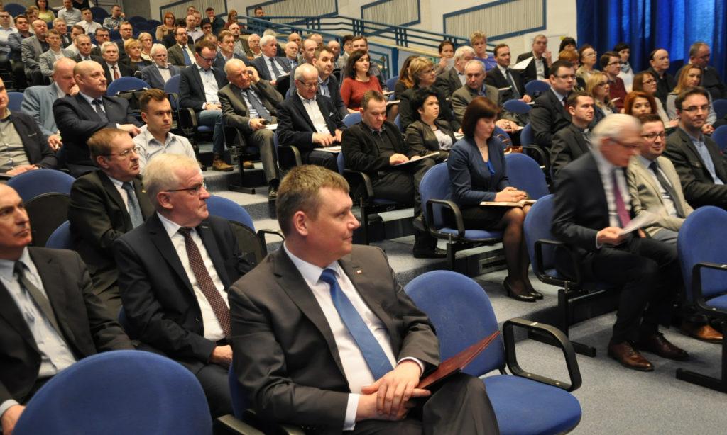 """Bardzo duże zainteresowanie konferencją """"Efektywność energetyczna i OZE – oferta finansowa i wsparcie doradcze"""" w Lublinie"""