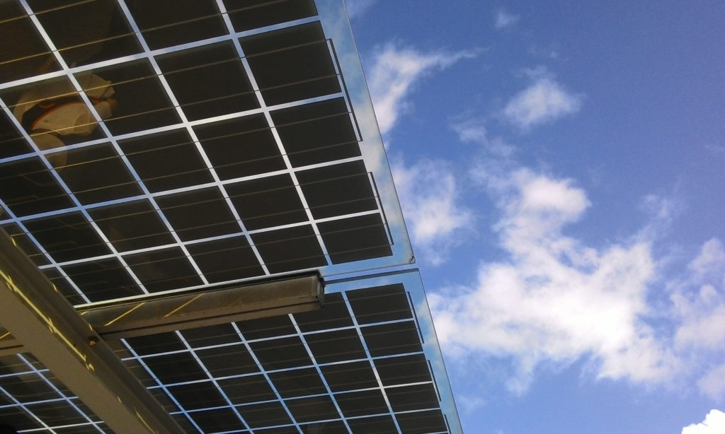Rusza budowa 14 elektrowni solarnych
