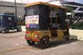 Indyjskie e-riksze napędzane energią słoneczną