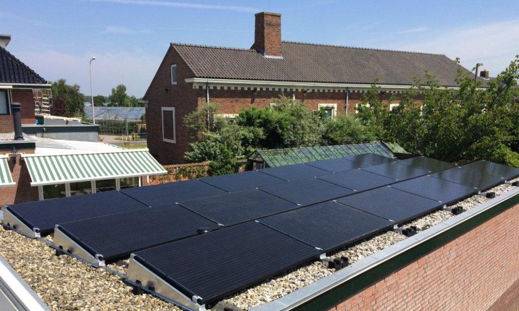 Szybki i prosty montaż z Van der Valk Solar Systems. EnergyNAT