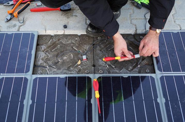 Pierwszy na świecie system chodnikowych paneli fotowoltaicznych