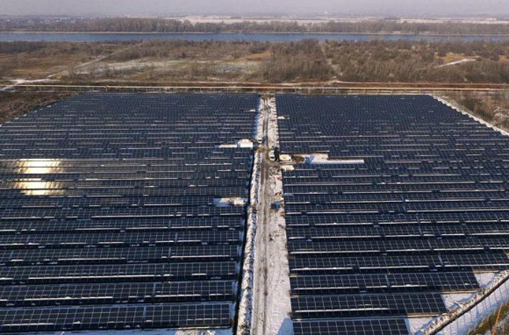 Osiem elektrowni słonecznych o mocy 5,5 MWp na Węgrzech