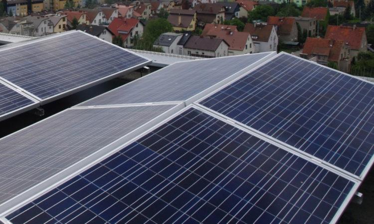 Weszły w życie nowe przepisy dotyczące premii termomodernizacyjnej z premią za inwestycję w odnawialne źródła energii w tle