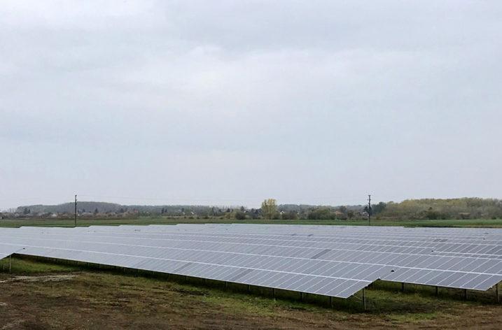 Siedem elektrowni fotowoltaicznych na Węgrzech