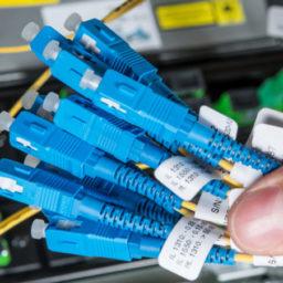 Rola automatyzacji identyfikacji przewodów w Przemyśle 4.0