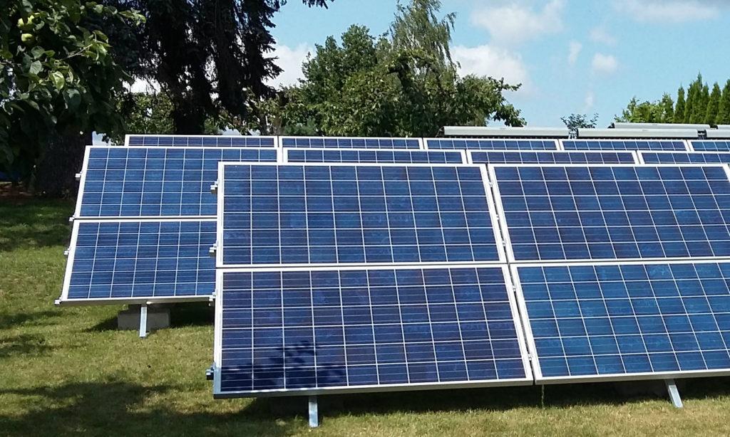 Rekordowy rok w liczbie mikroinstalacji przyłączonych do sieci energetycznej