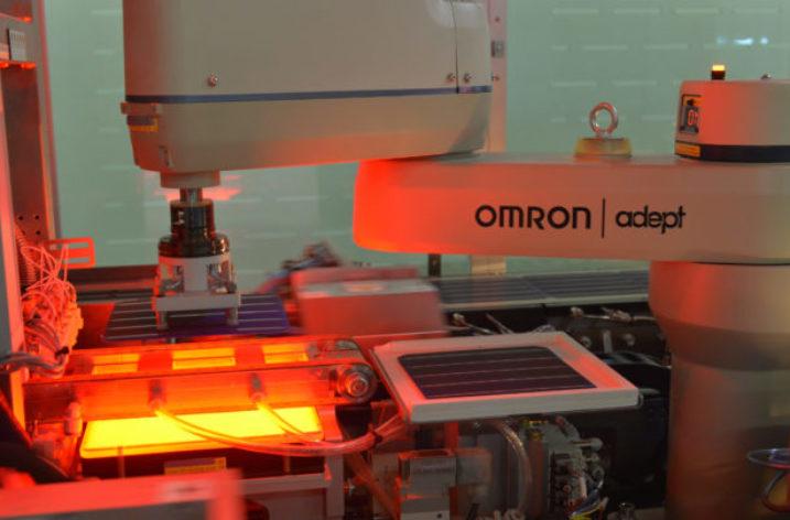 Pierwszy na świecie moduł fotowoltaiczny bez punktów zapalnych i odporny na zacienienie