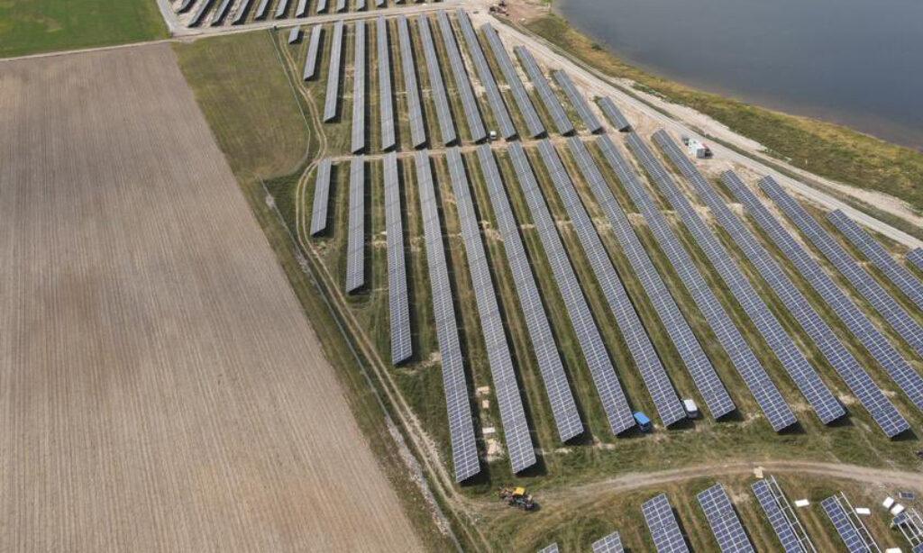 Zakończono budowę największej farmy fotowoltaicznej w Polsce